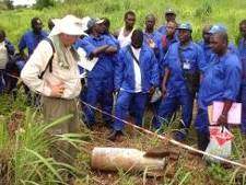 Cleared Ground Technical Advisor conducting ERW Recognition training – practical (Bissau)